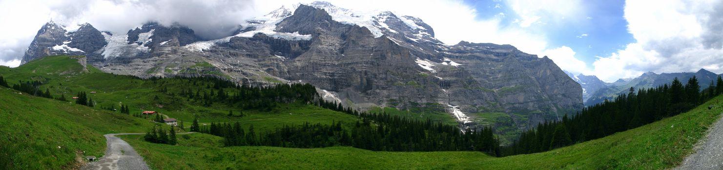 пейзаж, горы, вершина, снег, панорама, долина, поляна, луг, трава, лес, деревья, дорога, природа, фото, небо, облака