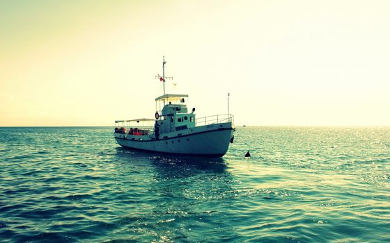 Рыболовный баркас в лен обл