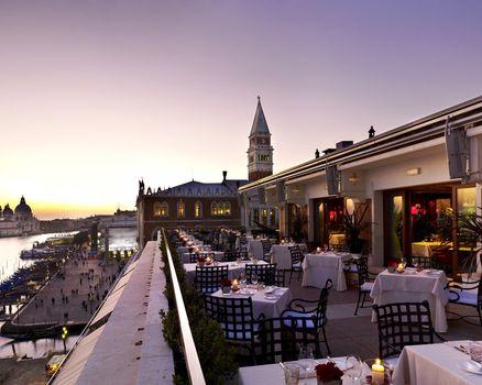 отель, ресторан, столы, sky, table, sunrise, sea, clouds, venice, morning, lovely, view, hotel, romantic, beautiful, good morning, italy, architecture, romance, terrace,