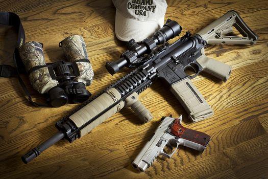 оружие, штурмовая винтовка, бинокль, пистолет