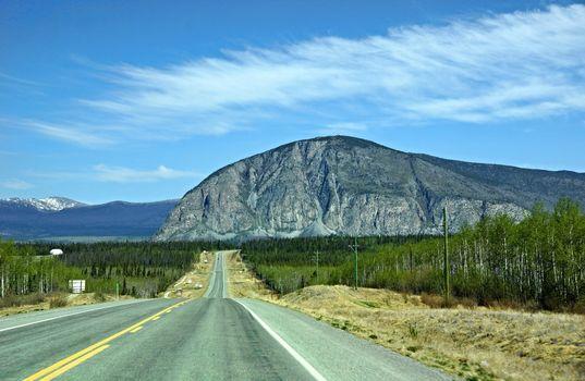 road, Whitehorse, Alaska, USA