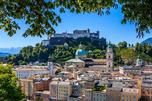Hohensalzburg Castle, Festungsberg, Salzburg Cathedral, Salzburg, Austria, крепость Хоэнзальцбург, гора Фестунгберг, Зальцбургский собор, Зальцбург, Австрия, здания, крепость, собор, ветки, панорама