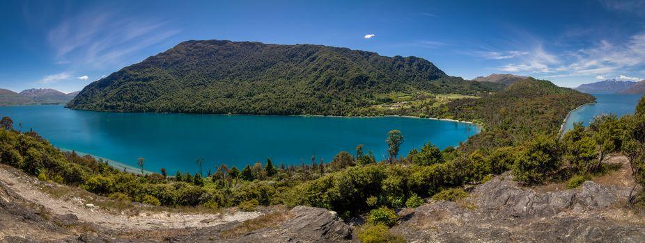 Bob's Cove peninsula, Lake Wakatipu, Pasture Hill, Otago, New Zealand, озеро Уакатипу, Отаго, Новая Зеландия, озеро, холм, полуостров, панорама