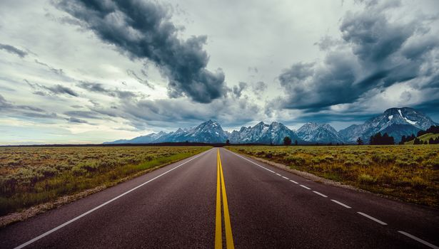 Yellowstone National Park, road, Mountains, nebo.oblaka, landscape