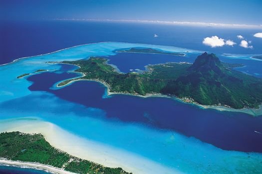 Bora Bora, Polinesia, view from the top, landscape