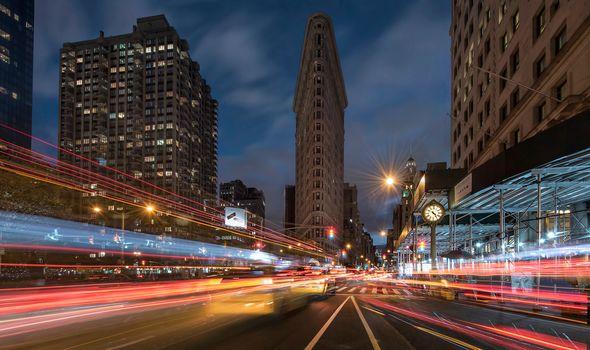 Manhattan, New York City, Flatiron Building, Манхэттен, Нью-Йорк, Флэтайрон-билдинг, ночной город, улица, дорога, здания, небоскрёб