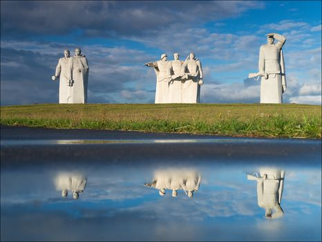 Memorial to the Heroes of Panfilov, Dubosekov, Moscow, Moscow region, Russia, clouds, reflection