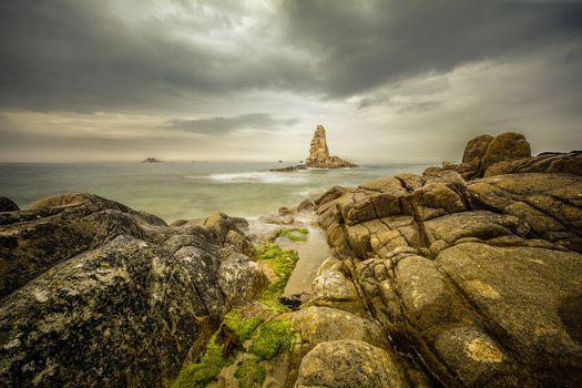 Kisenok рулит, море, камни, скалы, берег, тучи, хмуро, пейзаж