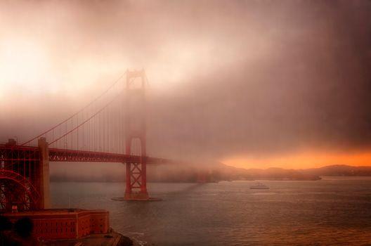 fog, sunset, Golden Gate Bridge, San Fransico, California, USA