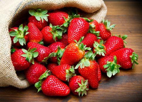 ягоды, клубника, мешок