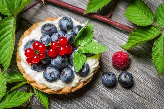 пирожное, tartalettes, ягоды, голубика, смородина, листочки