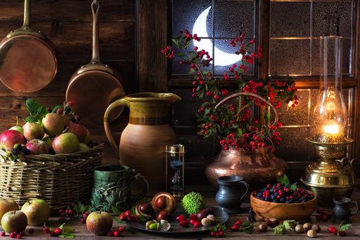 Mabon Autumnal Equinox, Druidry, lamp, lamp, kerosene, paraffin, oil lamp, antiques, copper, hawthorn, Turner, briar, funduk, acorns, chestnuts, drops, raindrops, window, moon, polumesyats, vynazh, still life