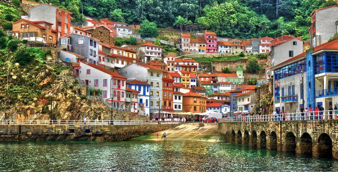 Cudillero, Asturias, Spain, Bay of Biscay, Kudilьero, Asturias, Spain, bay of Biscay, bay, embankments, at home, building