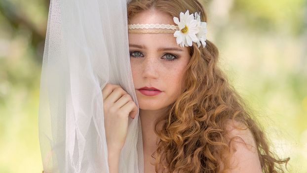 Helena Ferreira, Redhead, redhead, konopataâ, freckles, face, sight, curls, braid, flowers, chamomile, tulle, mood