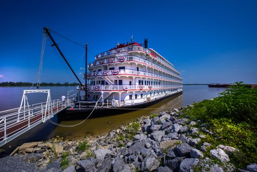 Queen of the Mississippi, Mississippi River, Mississippi river, steamship, trap, Coast, stones