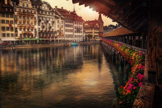 Lucerne, Switzerland, Kapellbrücke, Reuss River, Lucerne, Switzerland, bridge kapellbrücke, River Royss, River, bridge, embankment, building, flowers