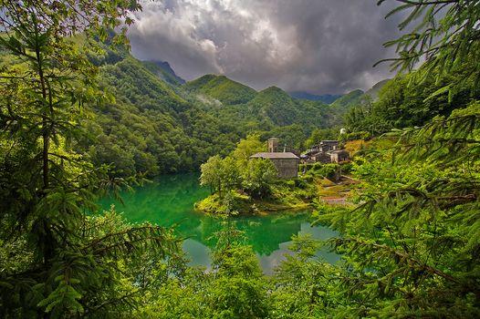 Lake Isola Santa, Tuscany, Italy, lake, Tuscany, Italy