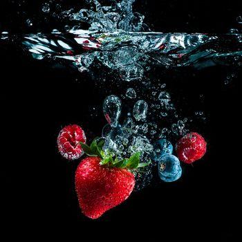 liquid, water, bubbles, berries, Strawberry, raspberry, bilberry