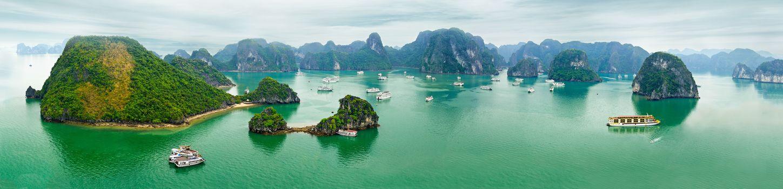 Залив Халонг, Вьетнам, море, острова, скалы, корабли, вид