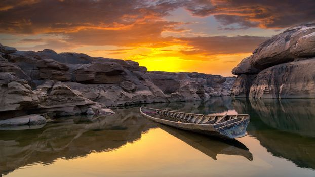 landscape, a boat, boats, water, nature, peace, relaxation, River, lake, sunset, dawn, rock, stones, reflection, sky