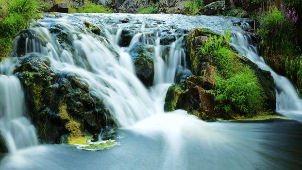 Молочные реки (16:9)