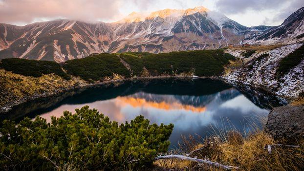 Горное озеро (16:9)