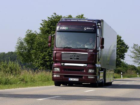 MAN, MAN, truck, tractor, road, trees