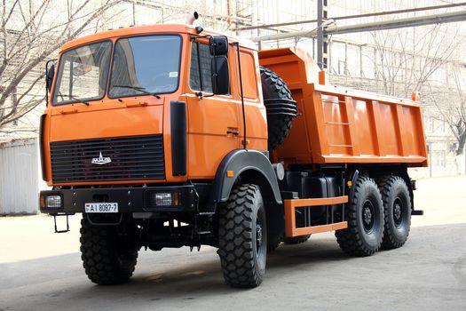 MAZ, MAZ-6517H9, tipper, industrial zone