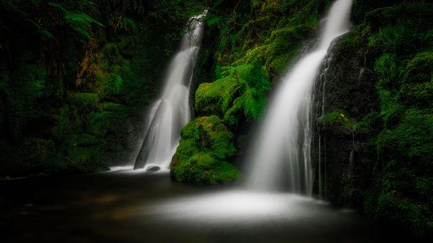 У водопада (16:9, 30 шт)