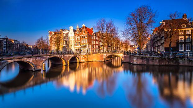 Весёлый Амстердам (16:9, 30 шт)