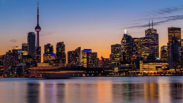 Канадский град Торонто (16:9, 30 шт)
