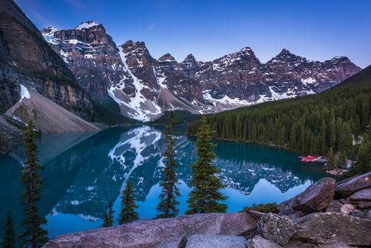 Озеро Морейн, Канада, Озеро Морейн, Альберта, Канада