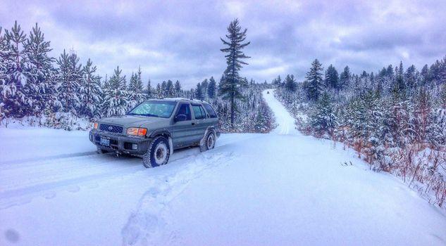 зима, снег, сугробы, дорога, деревья, автомобиль, Nissan, внедорожник
