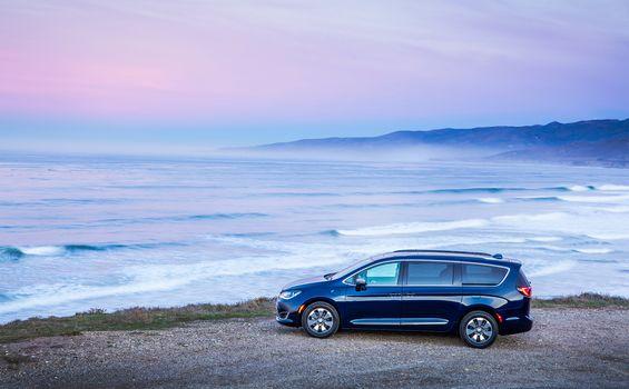 Chrysler Pacifica Hybrid, a car, car