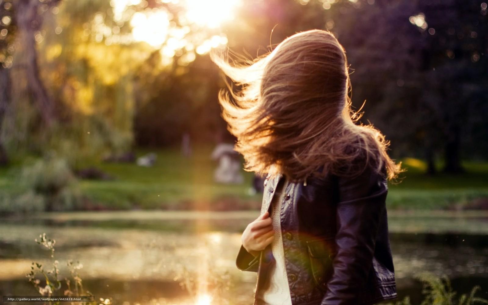 Фото девушек шатенок со спины на аву