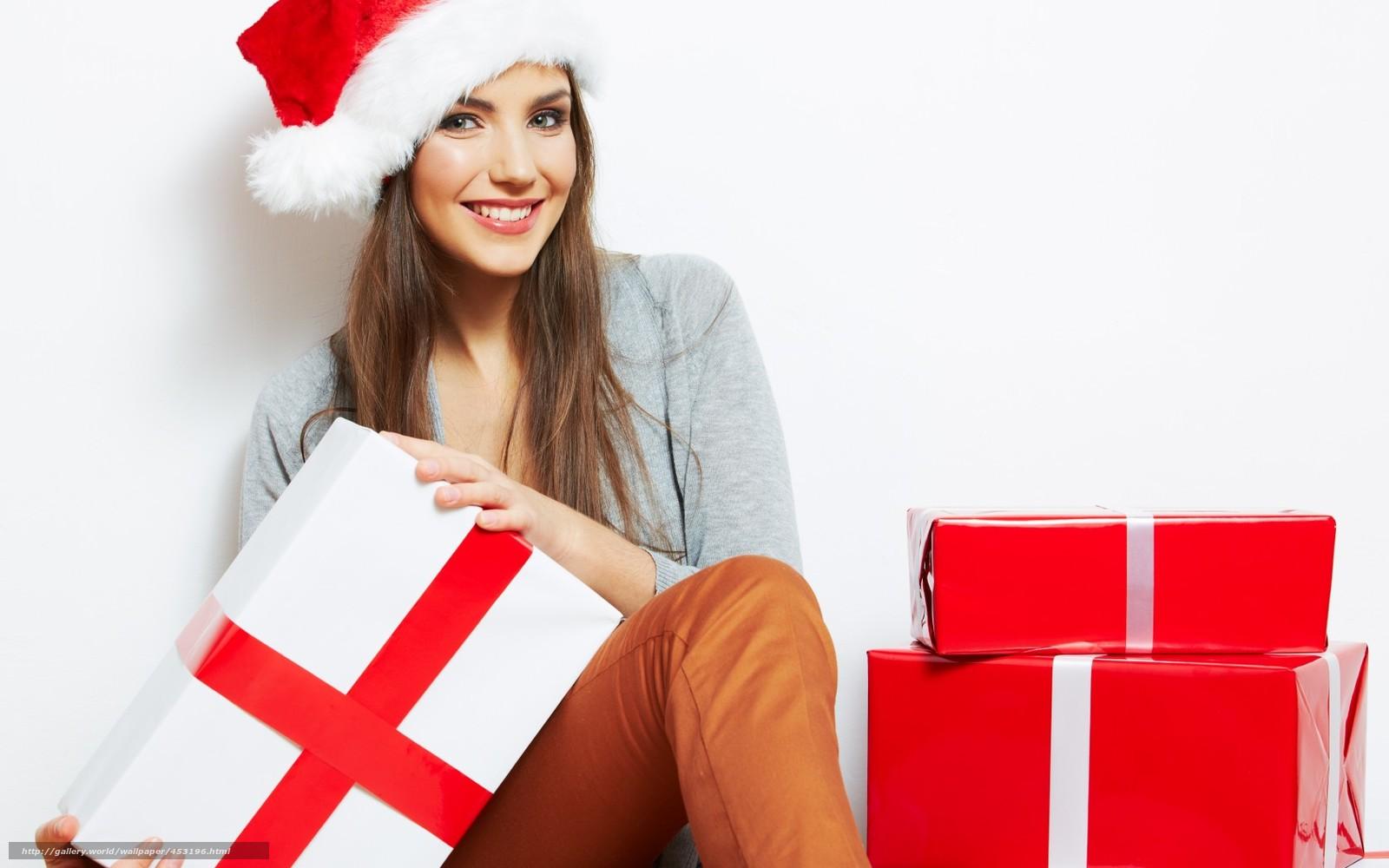 Фото людей с подарками новый год