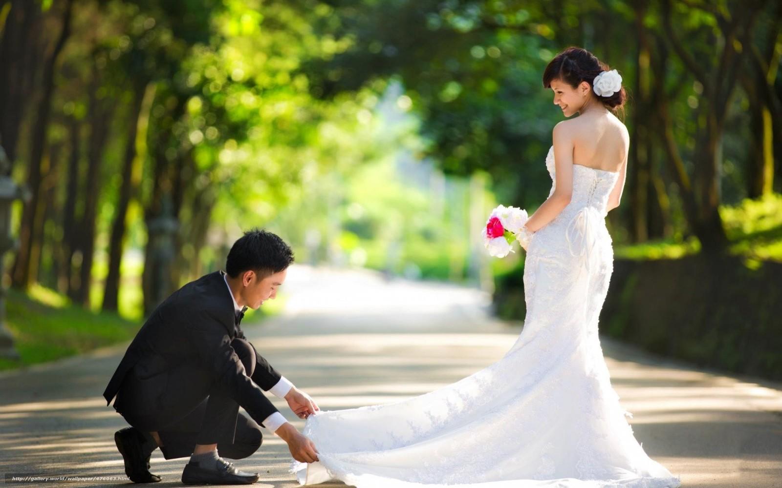 Девушка и парень свадебное платье