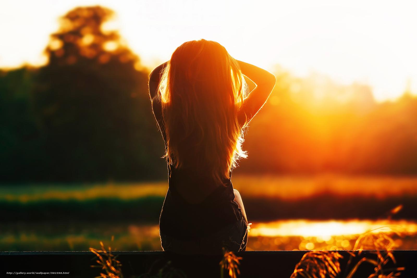 Фото на аву девушка на закате