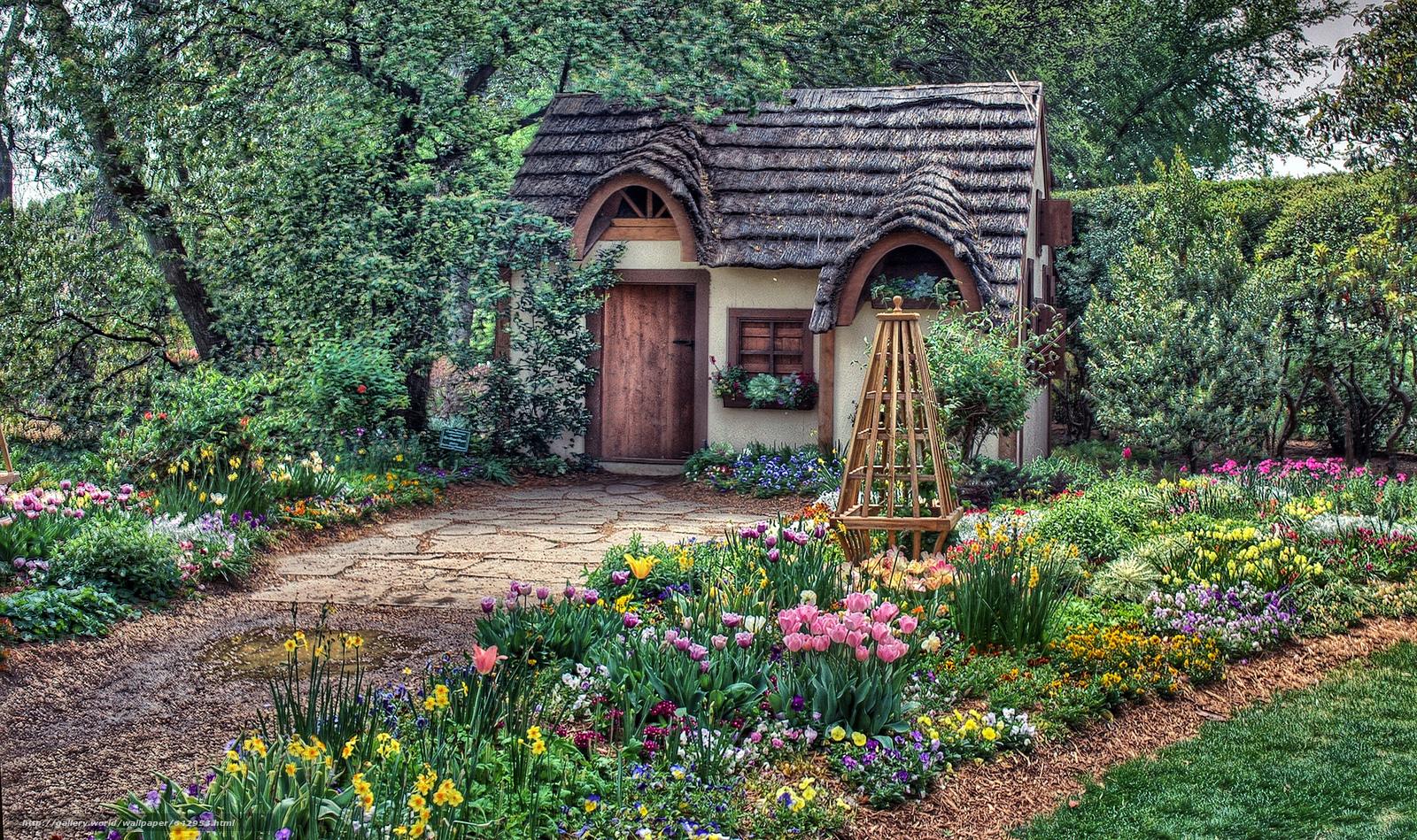 Передать общие черты между цветущим садом дизайном дачного домика1