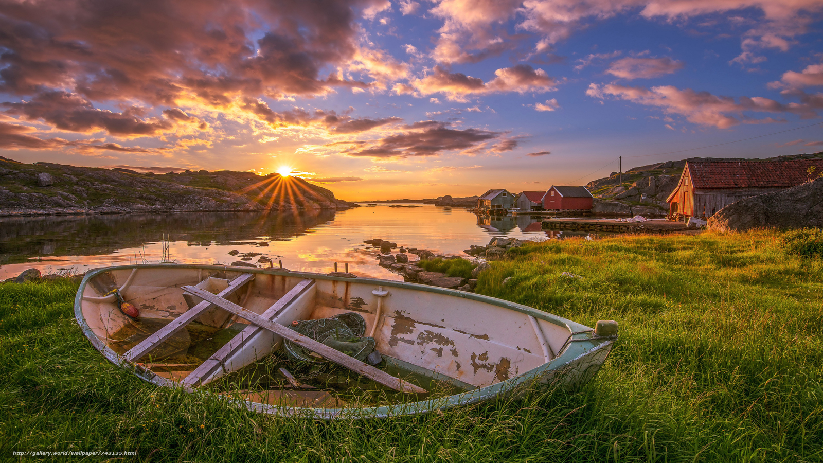 landscape, a boat, boats, water, nature, peace, relaxation, River, lake, sunset, dawn, the sun, bright, grass, Coast, houses, Province, village, sky, clouds