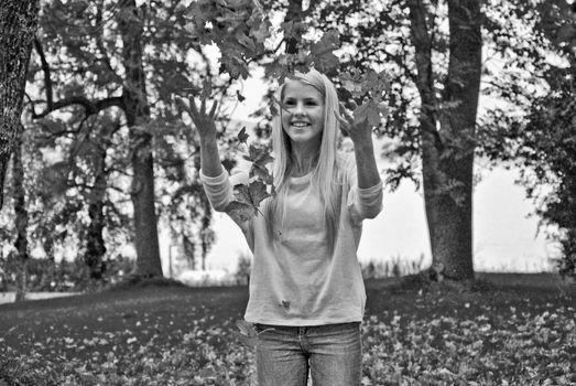 Aurora Mohn Stuedahl, white beauty, blond