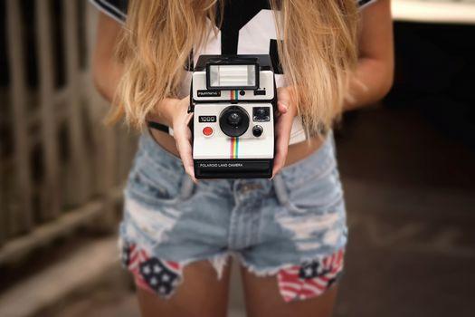 camera, shorts, hands, hi-tech