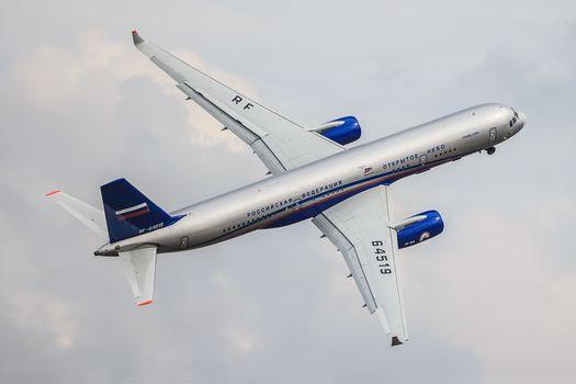 Passenger, plane, TU-214, Tupolev, aviation, transportation, flight, sky, clouds, Zhukovsky