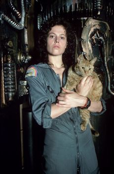 Sigourney Weaver, Alien, cat