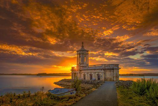Rutland, England, church