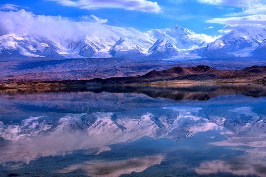 Pamir, Reflection Lake Karakul, Xinjiang