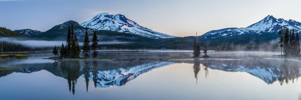 Sparks lake, Deschutes County, Oregon, panorama