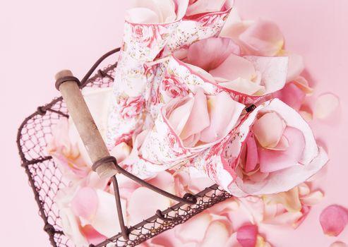 Personas by Kisenok, holiday, Petals, Flowers, envelopes, gift, basket
