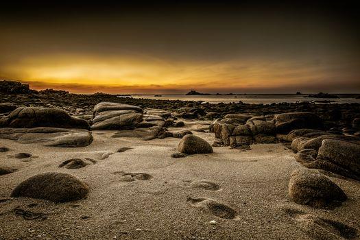 Kisenok рулит, море, камни, берег, закат, вечер, песок, следы, пейзаж