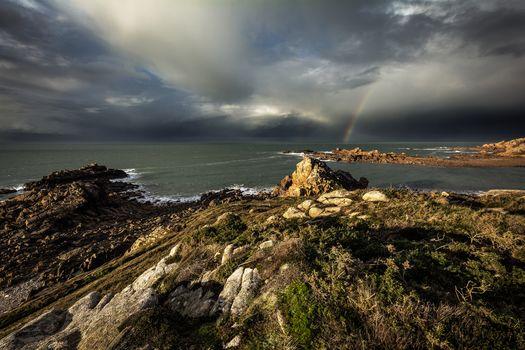 Kisenok рулит, море, камни, берег, тучи, радуга, пейзаж